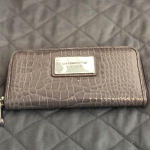 Ladies Liz Claiborne Zippered Wallet